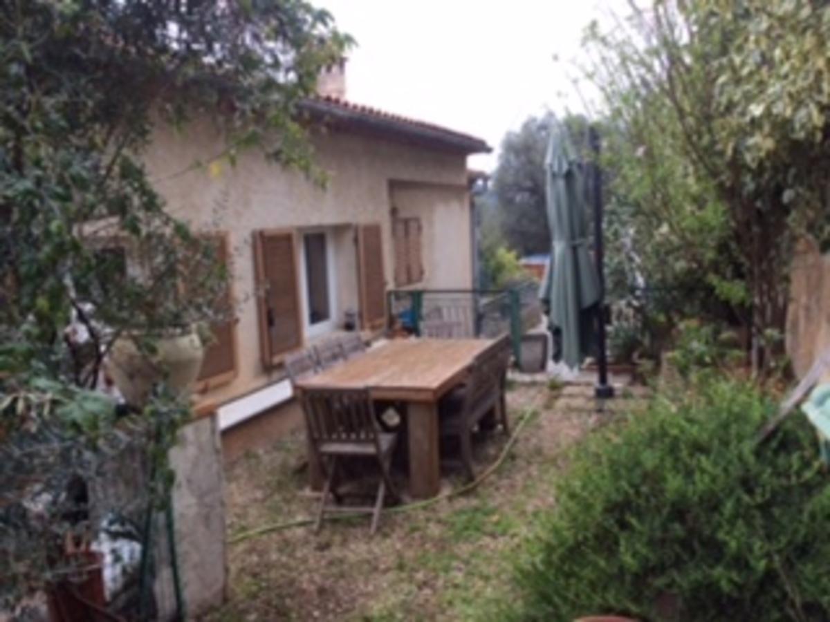 Vente maison sur toulon ouest et ollioules bethauser for Garage a vendre toulon mourillon