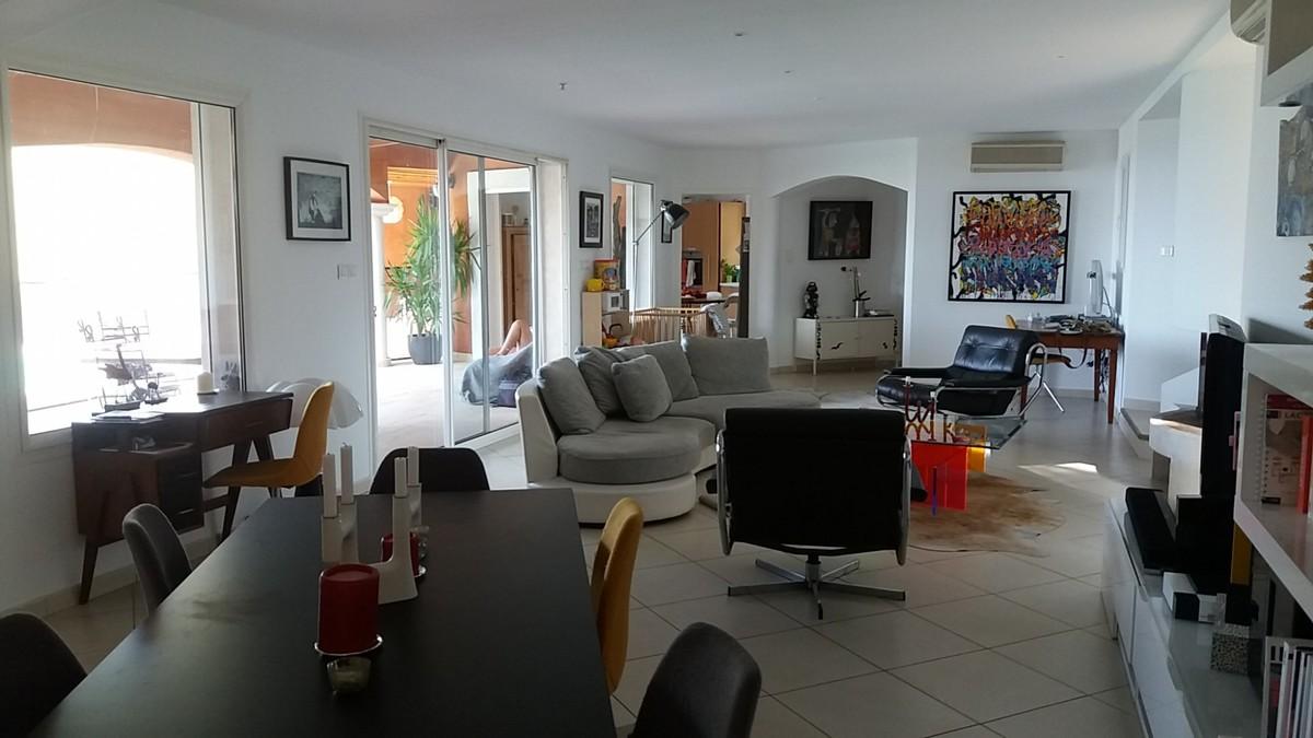 Maison-Villa - LA VALETTE