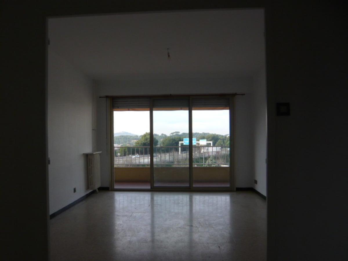 vente achat appartement toulon 83200. Black Bedroom Furniture Sets. Home Design Ideas
