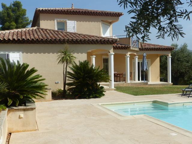 Maison-Villa - LA FARLEDE