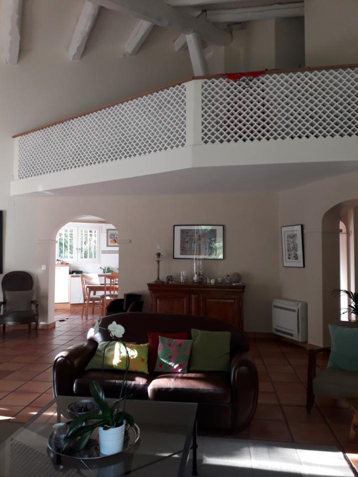 Maison-Villa - LE REVEST LES EAUX
