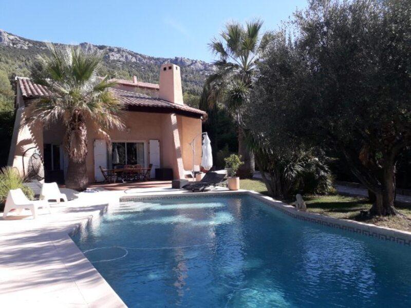 Vente Maison-Villa LE REVEST LES EAUX